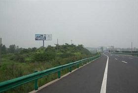 107国道武汉江夏段波形护栏工程案例